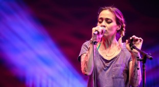 Fiona-Apple-Net-Worth