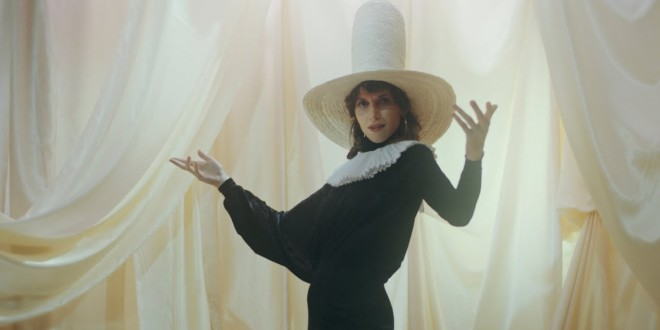 Aldous Harding – The Barrel