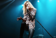 alison-mosshart-stories-book-wishing-well-foundation