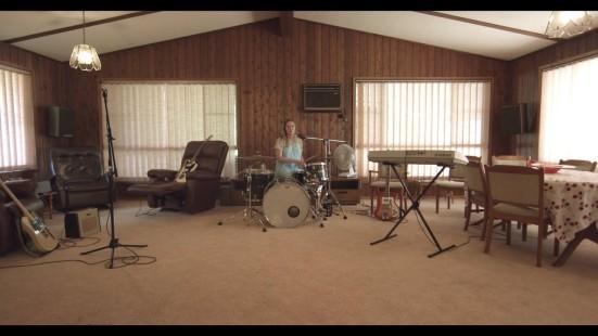 Julia Jacklin – Pressure To Party